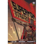Superman---Entre-a-Foice-e-o-Martelo--Capa-Dura-