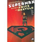 Superman-Entre-a-Foice-e-o-Martelo-Capa-Cartonada